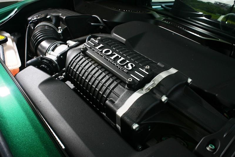 這具引擎聽起來可沒看起來精美細膩,而是以一種近乎粗暴的蠻橫講述著350匹的無限可能性。