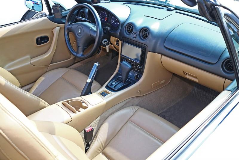 1998年發表的NB MX-5,也曾於2000、2001年在台正式銷售。