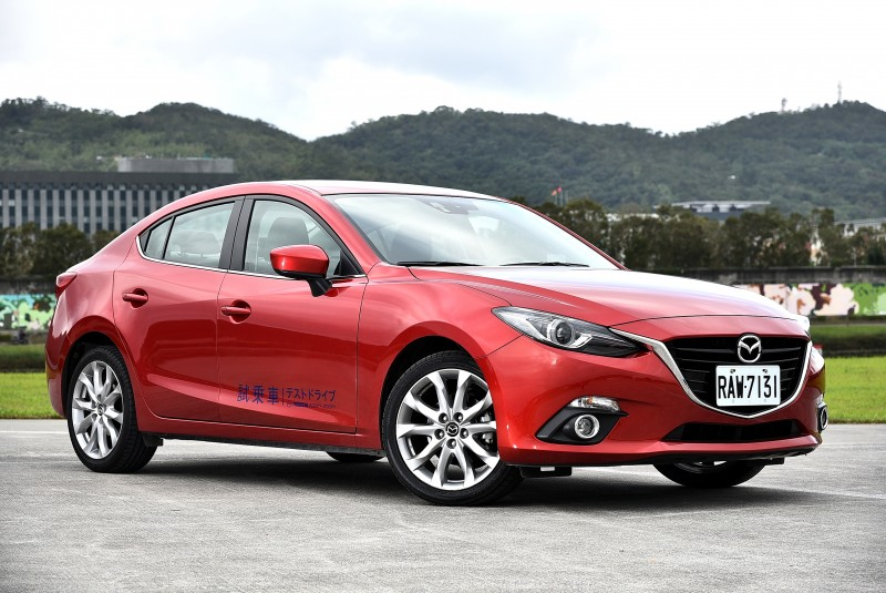 以進口龍強壓國產蛇,Mazda Mazda3想要左右通吃。