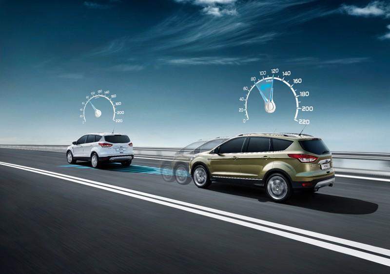 主動式定速巡航系統,利用雷達感應器幫助駕駛者與前方車輛保持車距。當系統感應到前方車輛減速時,會自動減速以保持安全車距,然後在交通順暢時恢復至駕駛者原來的車速。
