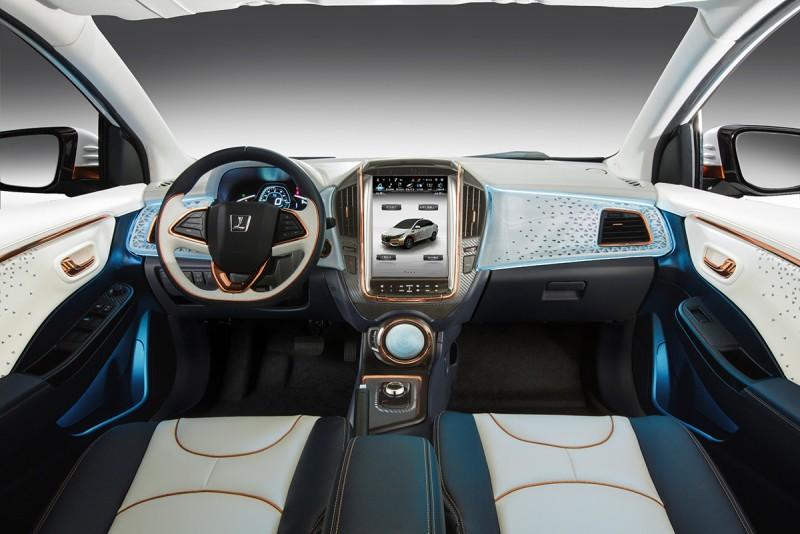 全新發表的Luxgen S3 EV+,是Luxgen視2016年為車聯網元年的指標性里程碑。