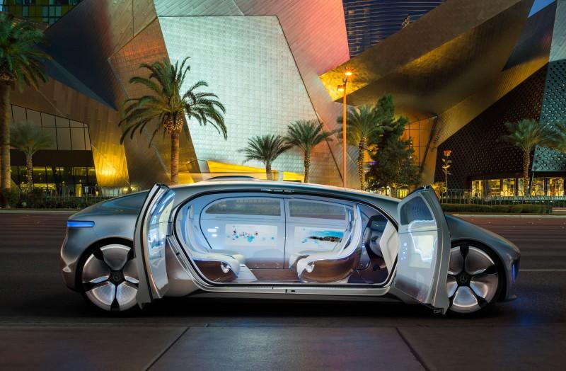 利用車聯網優勢,將自動駕駛進階為自主駕駛,讓汽車在更擁擠的未來交通中扮演更安全的載員角色,都是未來的可能發展趨勢。