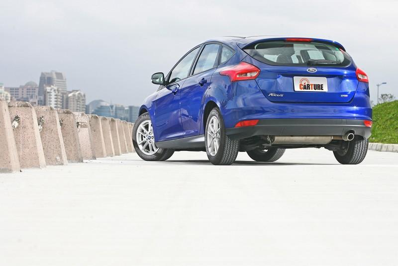 甫小改款的Ford Focus TDCi擁有更精悍銳利的構型與設計。