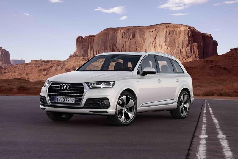 Audi Q7在IIHS各項撞擊測試中獲最高評價,得Top Safety Pick+ 最安全首選,並憑藉前衛的設計,加上緊湊的視覺效果藉此展現出車身線條的精準度,亦同步獲頒德國iF設計大獎。