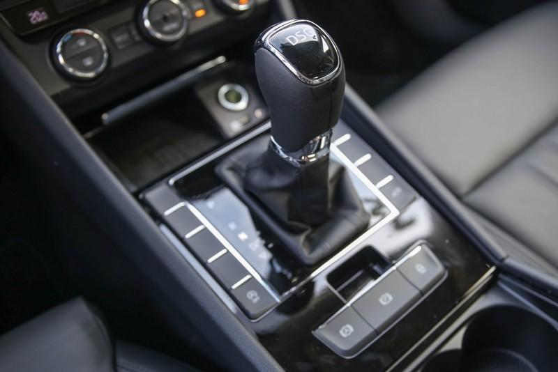 菁英版TSI與尊榮版TSI皆搭載DSG七速雙離合器自手排變速系統。