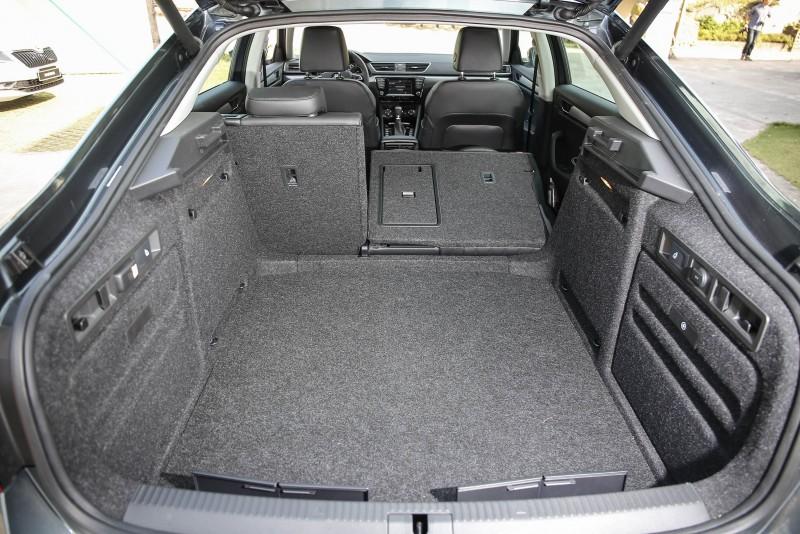 斜背式的後廂開口方式不僅利於體積較大的物品取放,標準乘坐時更有625公升容積。