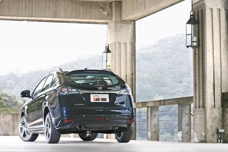 U6 Turbo Eco Hyper 1.8T Sports+頗有運動掀背車的精悍蟄伏感受。
