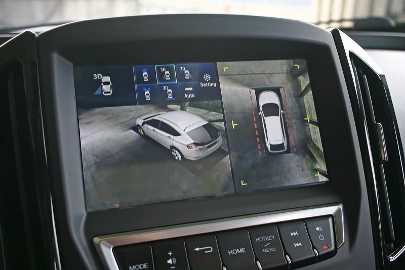 3D X-View智慧3D影像輔助系統可透過虛擬影像觀察車輛周邊狀態。