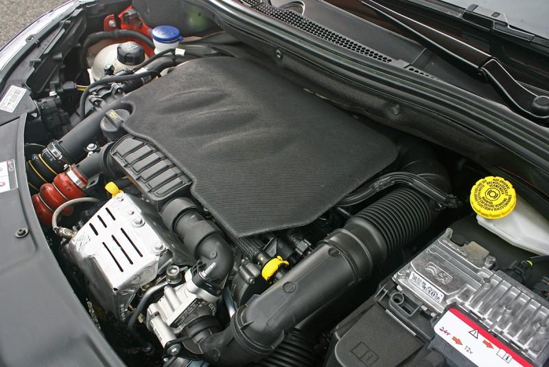 1.2升直列三缸渦輪增壓引擎可輸出110匹最大馬力。