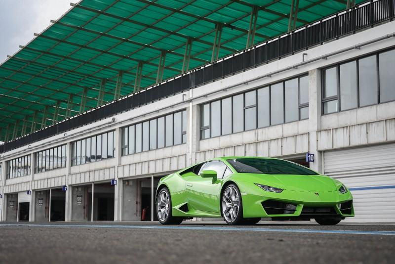為讓媒體盡情體驗後驅魅力,嘉鎷興業特別將2016年台北車展發表的Huracan LP 580-2拉至南台灣的大鵬灣賽道。