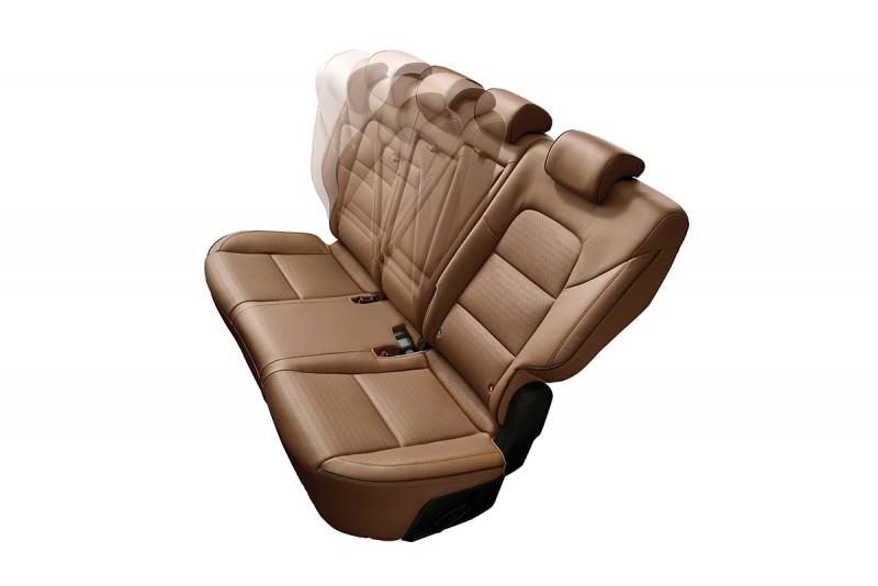 後座椅背則可向後調整傾倒至37度,提供後座乘客更優異的乘坐舒適性,讓其在長途跋涉的路途上,減輕背部與腰部的壓力,舒適加分,質感上升。