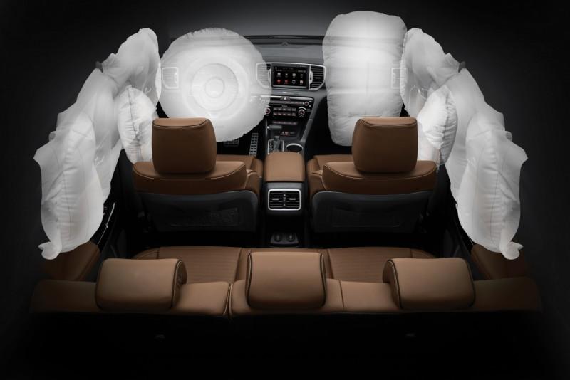 全新KIA SPORTAGE預計將具備6氣囊、VSM車身動態穩定系統、HAC上坡起步輔助系統、DBC下坡煞車輔助系統、LED日行燈、光感應頭燈等配備,高規GT Line版本更可望搭載EPB電子手煞車與HID頭燈附頭燈水平自動調整功能。