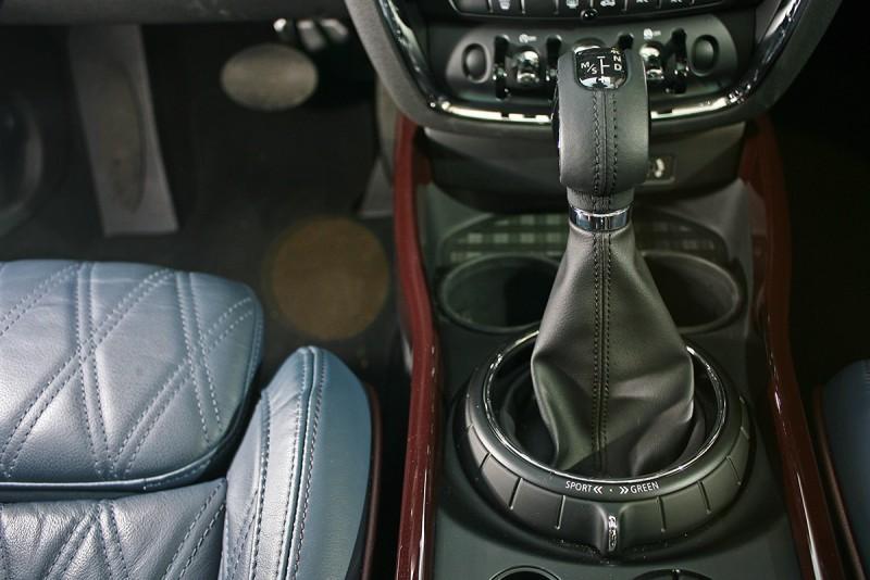八速手自排變速系統,是讓0-100km/h加速僅需7.2秒的最大功臣。
