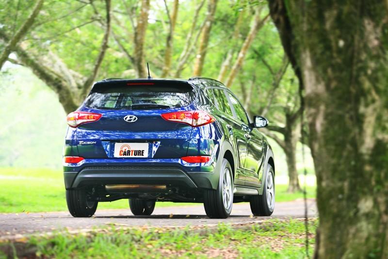 11.6km/L的平均油耗不算太好,選擇汽油SUV難免得犧牲部分經濟性。