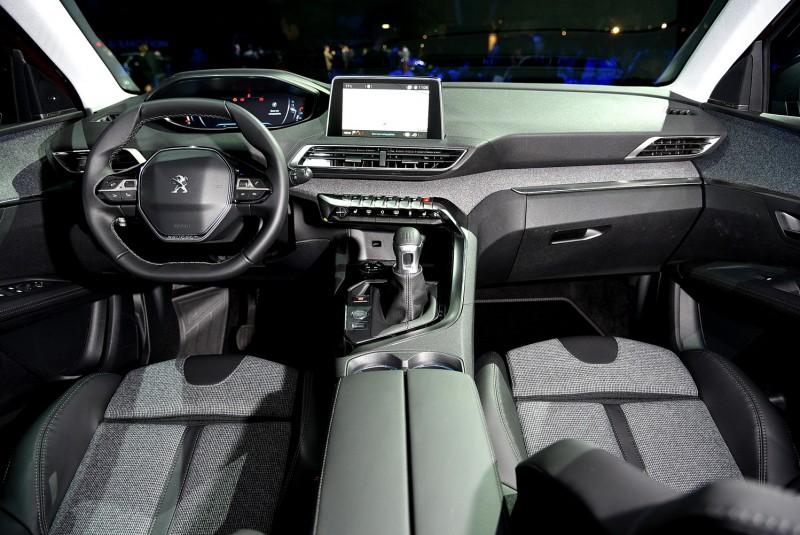 二代i-Cockpit概念座艙提供多種駕駛感官互動,更是未來車型必備設計