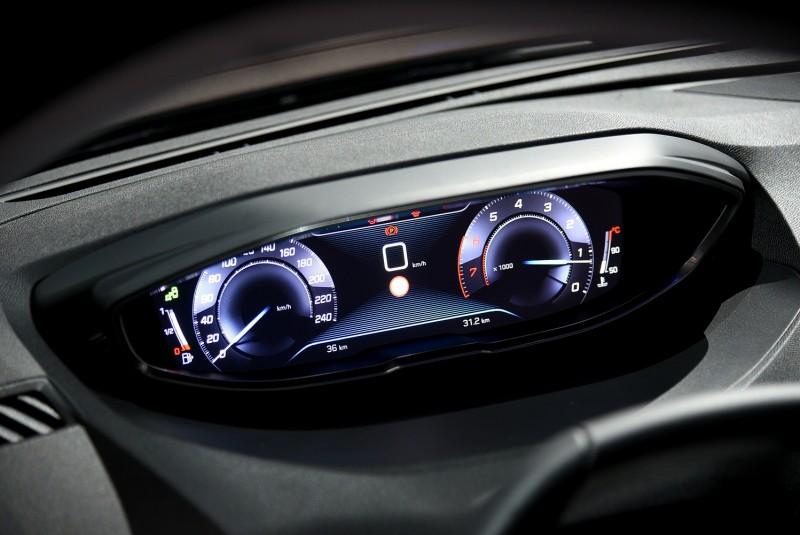 向高級豪華品牌看齊,全新3008採用12.3吋抬頭顯示式液晶儀錶,請注意時速轉速指針為少見的對跳式