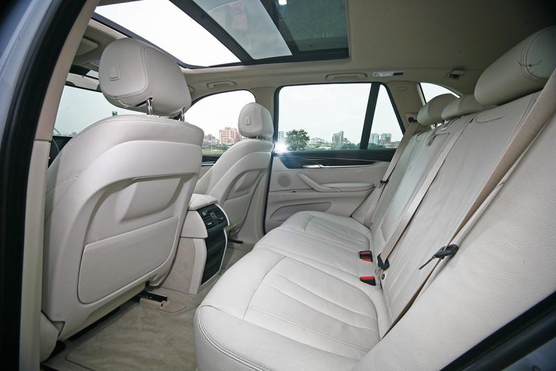 一般X5所該有的舒適或動感,X5 xDrive40e一樣也不缺。