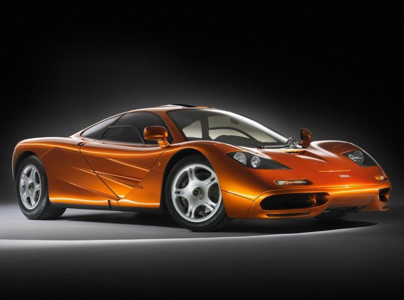 淬練自F1賽道科技,McLaren F1擁有了超跑車壇難以企及的過人實力。