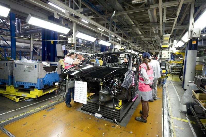 想想要製造一輛車,無論超超跑或是國民車,要經過多少過程花費多少人力、物力與原料?