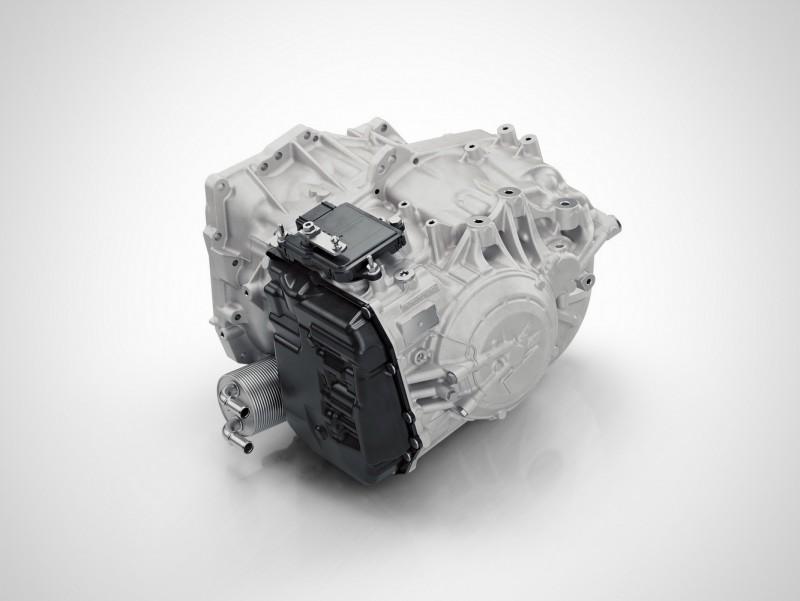 VOLVO旗下車款在60車系以上已經全面採用8速自排變速箱