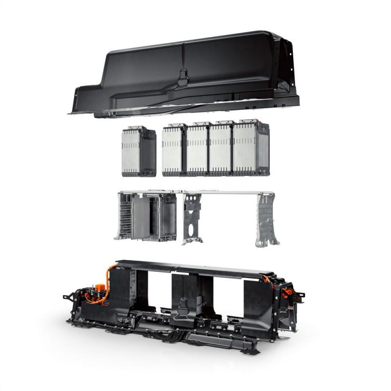 鋰電池模組讓XC90T8能以純電動方式行駛43公里