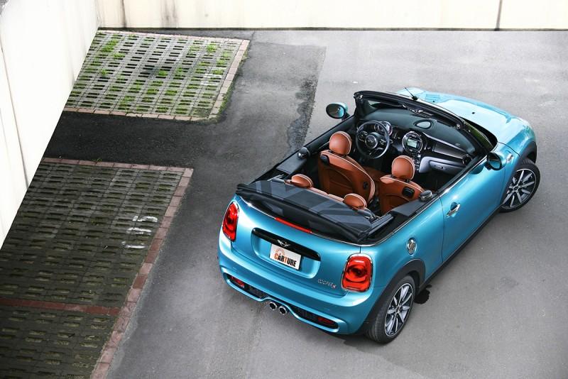 台灣市場中敞篷車向來就是稀有中的稀有,百餘萬元內,Mini Cabrio堪稱一時之選。