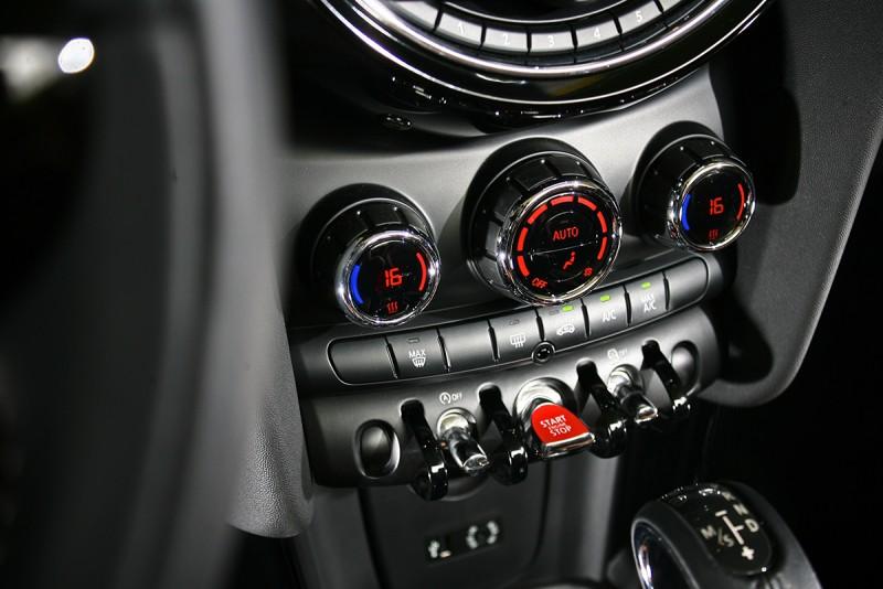 細膩的質感是新世代Mini的強項,也是約略同價位對手中的佼佼者。