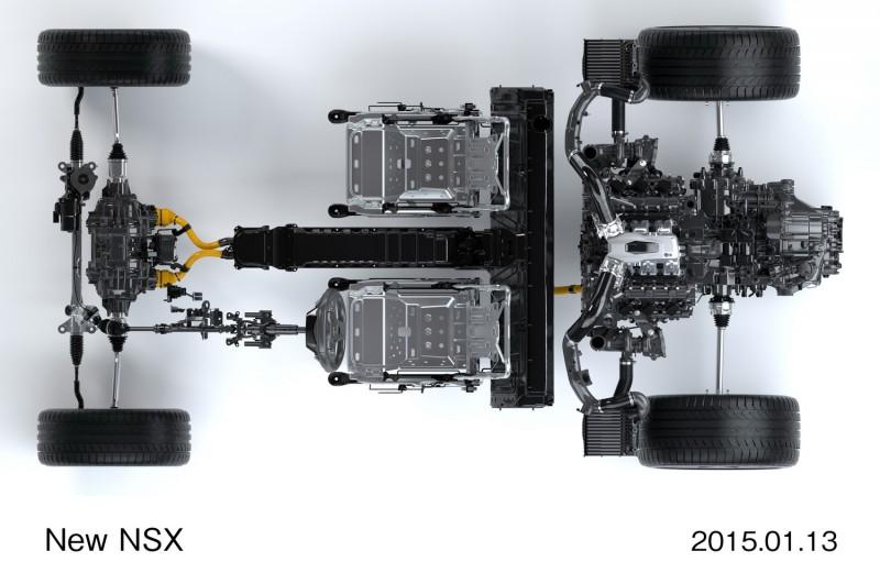 動力配置圖可看出前軸由同一模組的兩顆馬達輸出動力,後軸則是由V6雙渦輪引擎與埋在變速箱中的直驅馬達共同出力,座椅後方中央扶手處T字型黑色裝置為電池模組,方向機則是移到前軸的前方