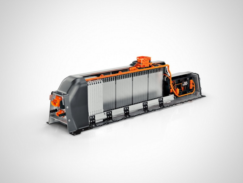 CMA平台位於車身中央的縱置電池模組