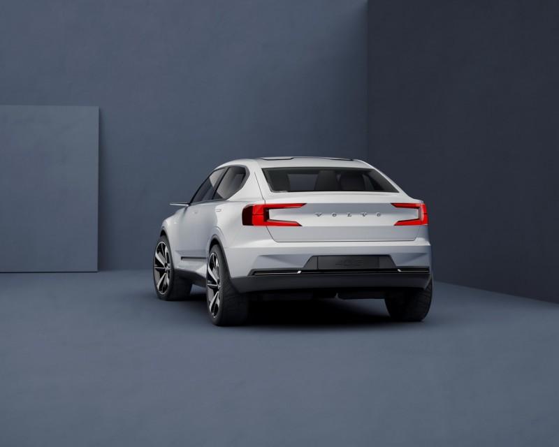 雙C型尾燈讓S40有更高辨識度