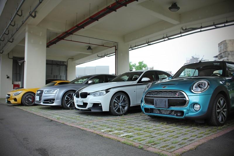 Mercedes-AMG GT S、Audi S8 Plus、BMW 340i M Performance與Mini Cooper S Cabrio四輛車一次湊齊,不買也覺熱鬧!
