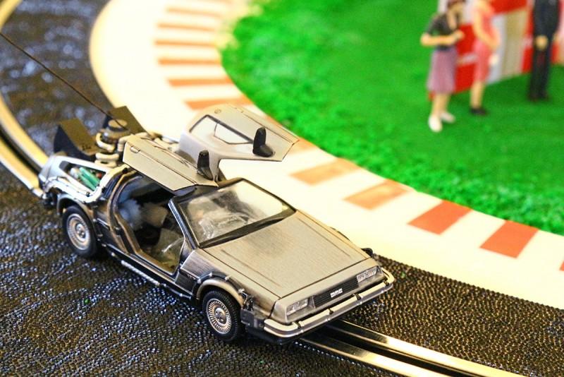 DIY將更精緻且無廠商推出的像真模型車殼套在電刷車底盤上,也是許多發燒級玩家熱衷的玩法。