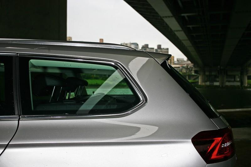旅行車很夯,但是你真的知道好在那嗎?或許試試Volkswagen Passat Variant 400 TDI後,你就會真正明瞭意義與真諦。
