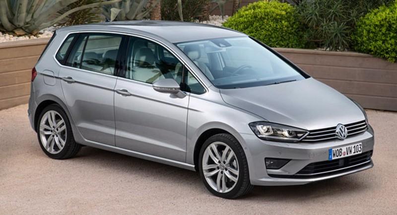 這是VW Sportsvan,GOLF當然不會有這樣頭短身長的MPV比例,不過車頭造型絕對會具備同樣元素