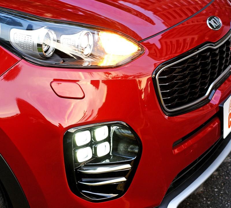從Tiger Nose印象虎鼻水箱護罩到矩陣式LED霧燈及頭燈,炯炯有神向來是All-New Sportage給人的第一印象。