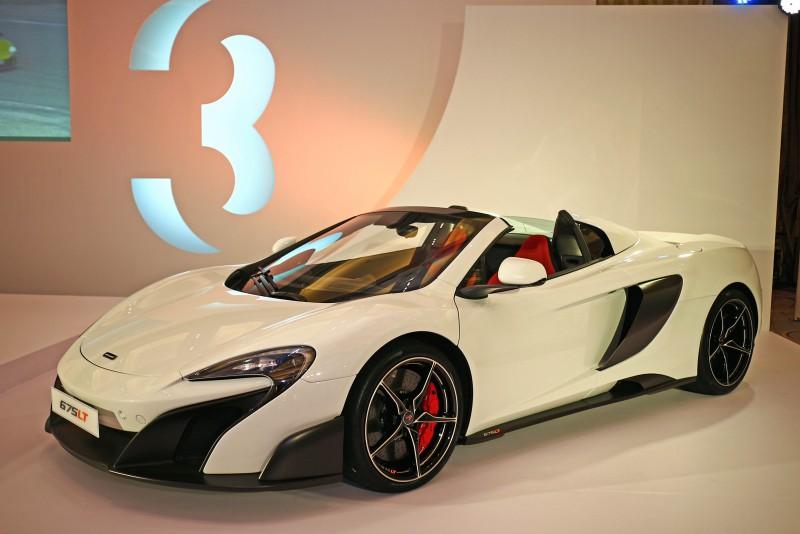 McLaren 675LT Spider維持675LT Coupe輕量化競技風格,承繼源自McLaren F1 GTR Long Tail的LT之名,強調車格設定更為剽悍並擁有絕佳操駕體驗。