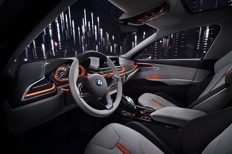 雖然Compact Sedan Concept是概念發想原點,但這般科幻的座艙不可能完全體現在實車之上。