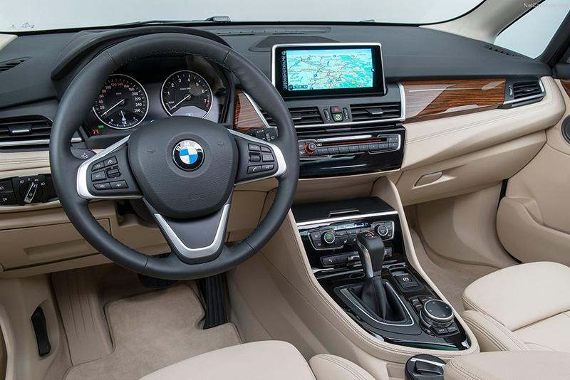 類似2 Series Active Tourer的雙色溫馨內裝,會是1 Series Sedan車內更可能的樣貌。