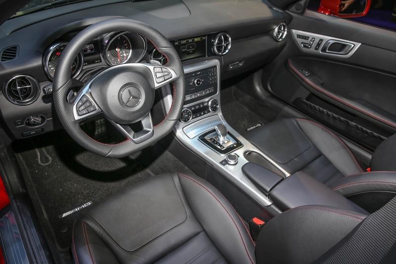 座艙內標配Audio 20 CD音響,整合7吋高解析度彩色螢幕。