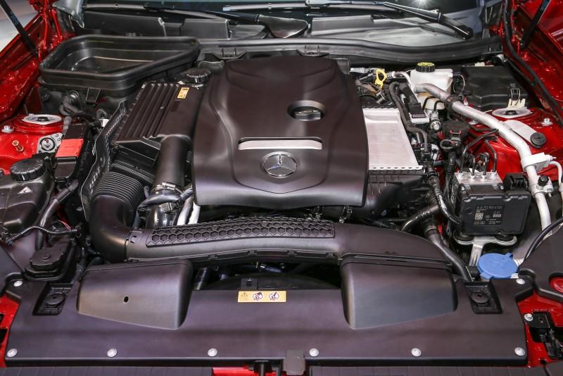 SLC 200搭載的2.0升直列四缸汽油引擎擁有184hp/300Nm輸出水準。