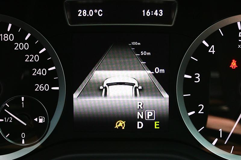 具備主動測距跟車功能的定速系統,高速公路上輕鬆奔馳的好物。