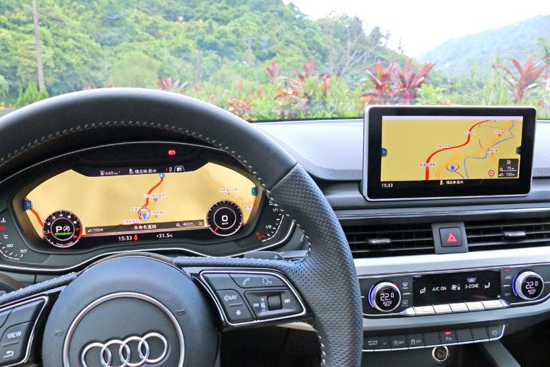 座艙中的焦點在於全新的整合系統與顯示方式。中央的8.3吋與傳統儀錶位置的12.3吋螢幕可以提供駕駛極為豐富的各項資訊。