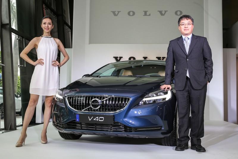 國際富豪汽車總裁蘇嘉明正式揭幕全新2017年式V40車型。