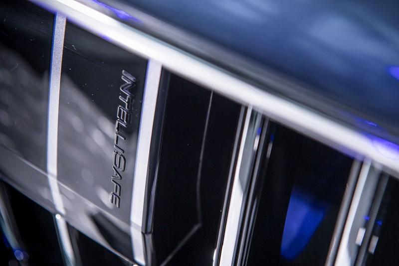 水箱護罩上雷達罩加上品牌最高造車原則的IntelliSafe字樣