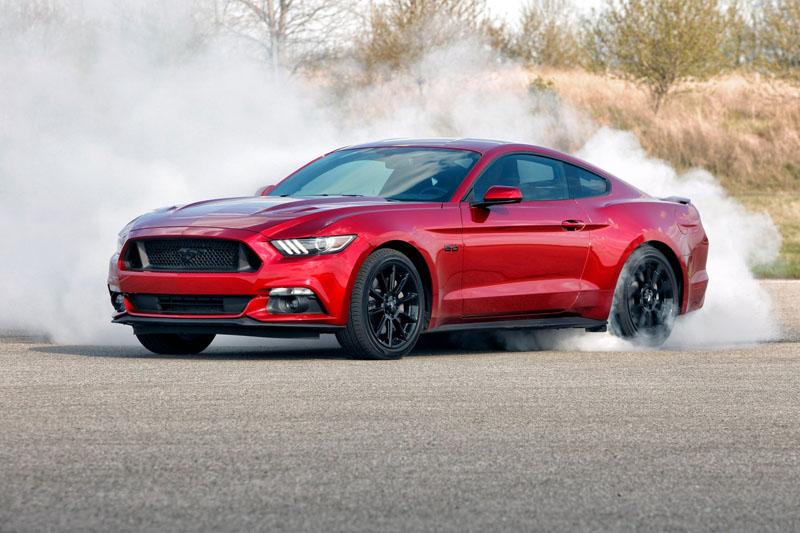 •Ford Mustang Fastback 5.0 V8 GT
