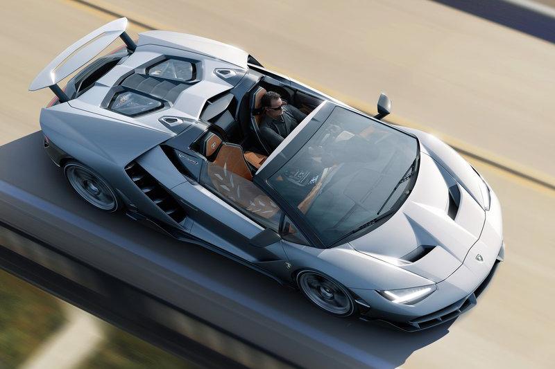 限量20輛的LamborghiniCentenario Roadster為紀念創辦人Ferruccio Lamborghini而生,先前硬頂版本已於日內瓦車展發表。