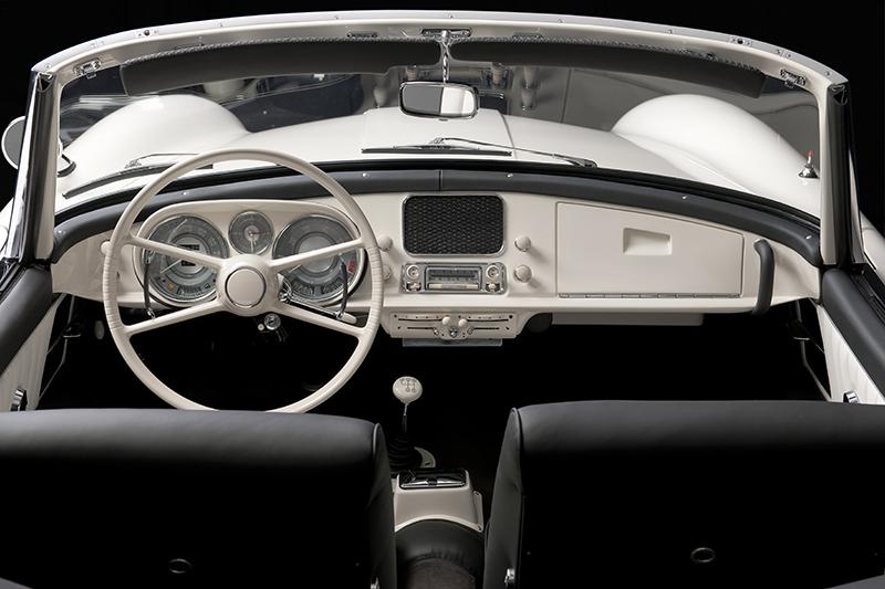 不只外觀,就連內裝也完全重做一番,精緻程度甚至比起新車還要細膩。