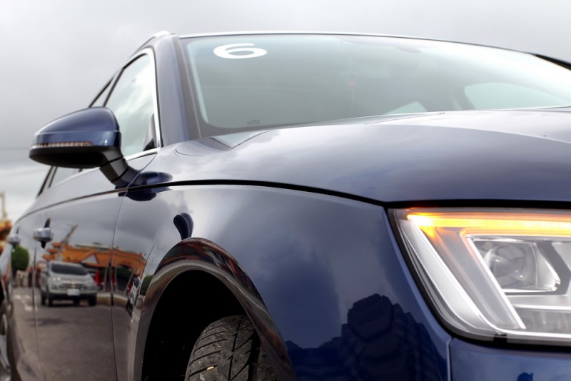 車側鈑件折線從頭燈尖角開始