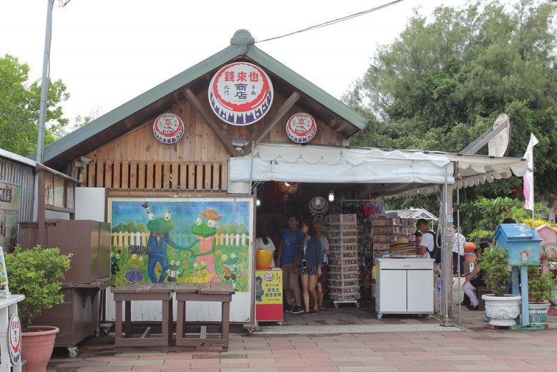 復古柑仔店或許能讓現在年輕人一窺早期台灣日常生活點滴