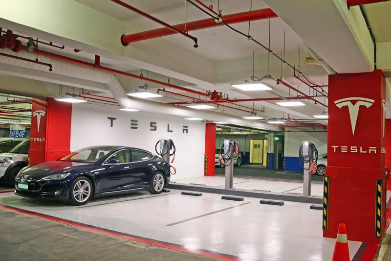 Tesla未來亦將與更多合作夥伴設立充電網絡。